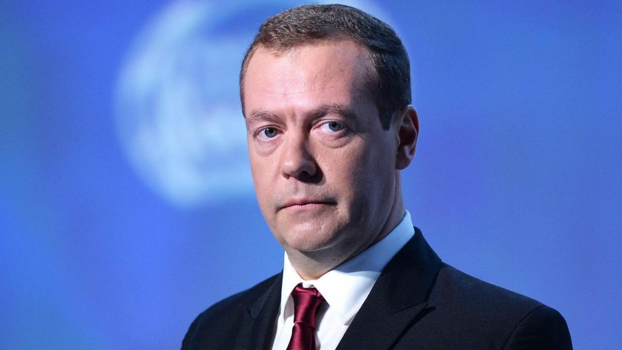 Медведев считает, что российские лекарства успешно конкурируют симпортными - изображение 1