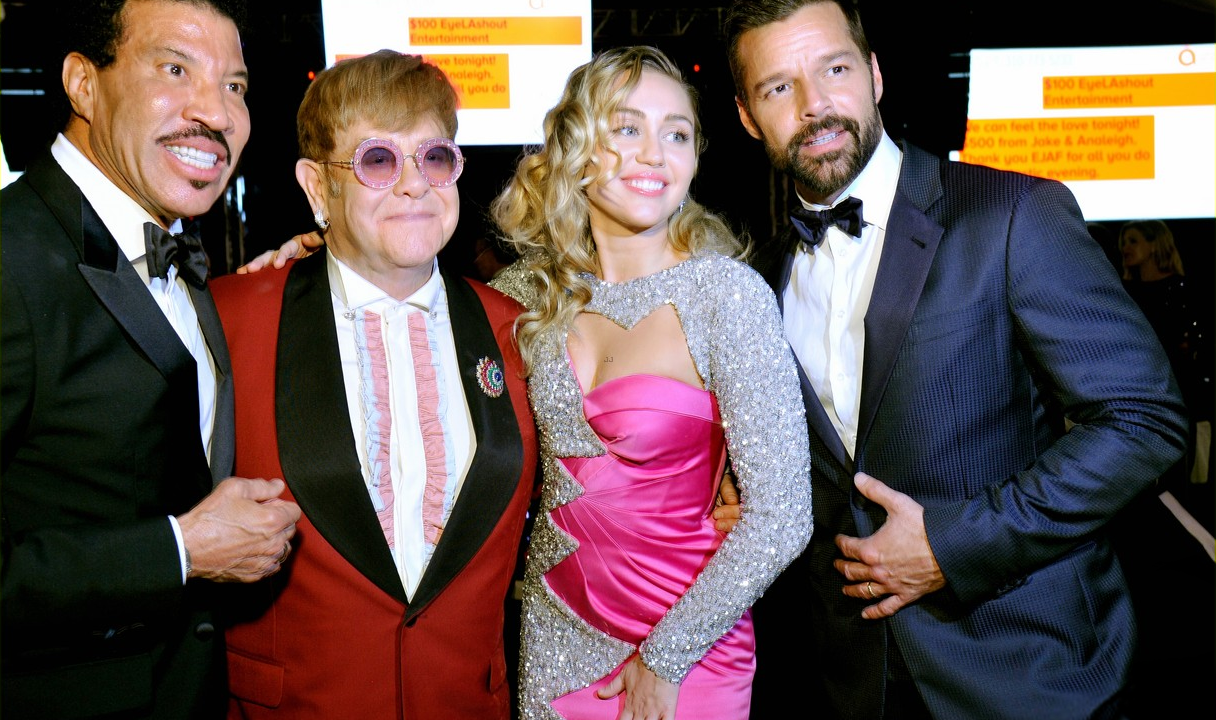 Элтон Джон провел традиционную фандрайзинговую вечеринку, приуроченную к «Оскару»