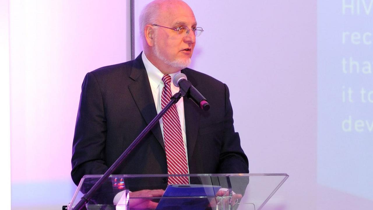 Роберт Редфилд назначен новым директором CDC - изображение 1