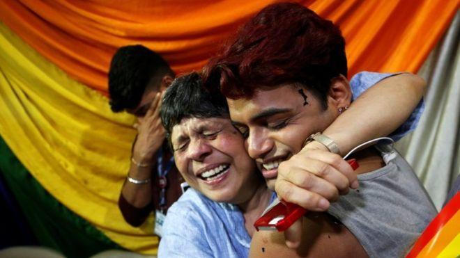 Власти Индии декриминализировали гомосексуальные отношения - изображение 1