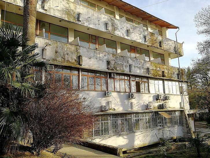 Сочинцы пожаловались на ветхое состояние городского Центра СПИД и перебои с выдачей АРВТ - изображение 1
