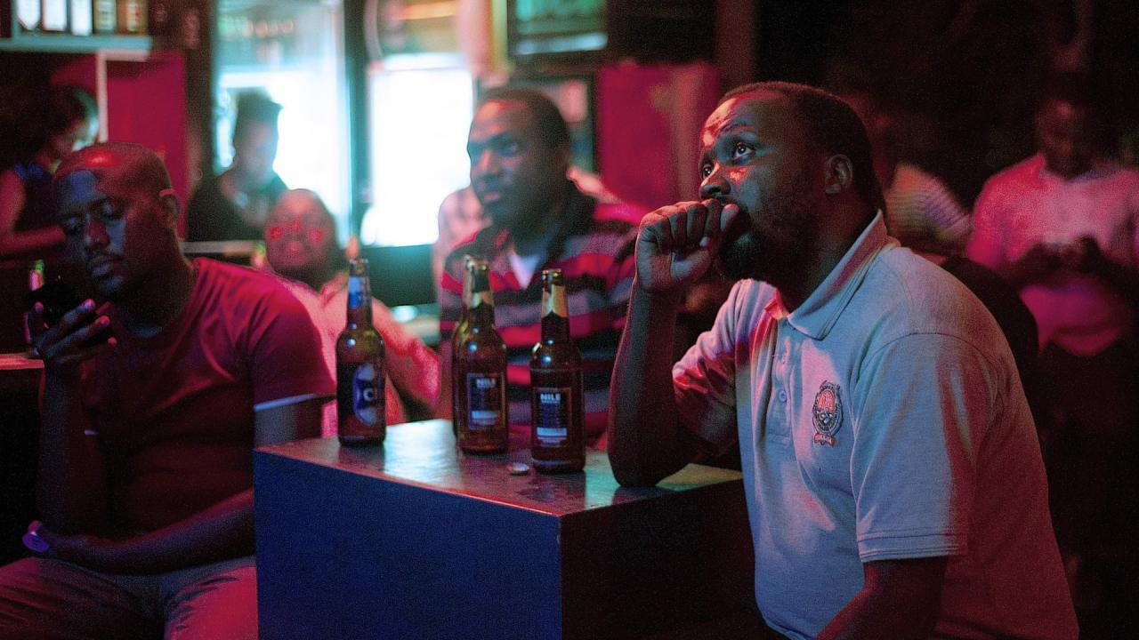 Уганда будет использовать налог на алкоголь для финансирования борьбы с ВИЧ