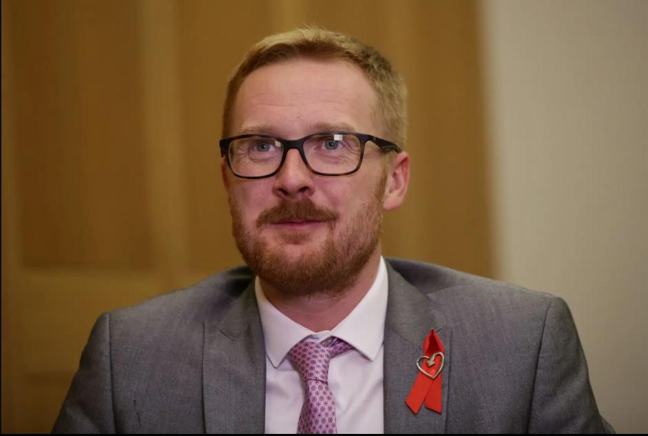 Ллойд Рассел-Мойл: «Почему я объявил о своем ВИЧ-статусе, и что должно измениться»