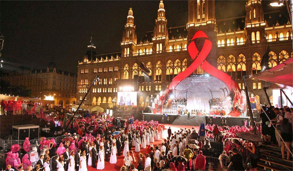 Венский бал соберет средства для борьбы с ВИЧ/СПИДом - изображение 1