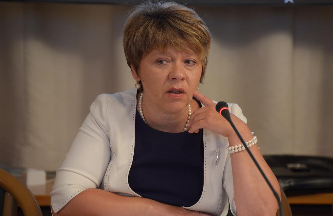 Максимкина: на расширение АРВ-охвата дополнительно выделят 5 млрд рублей