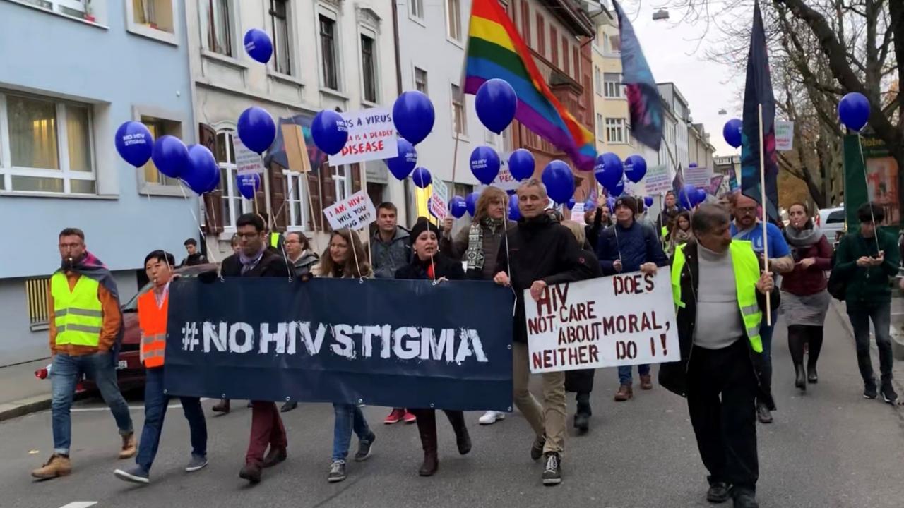 """Erfolgreiche Kampagne """"No HIV Stigma"""" beim EACS in Basel"""