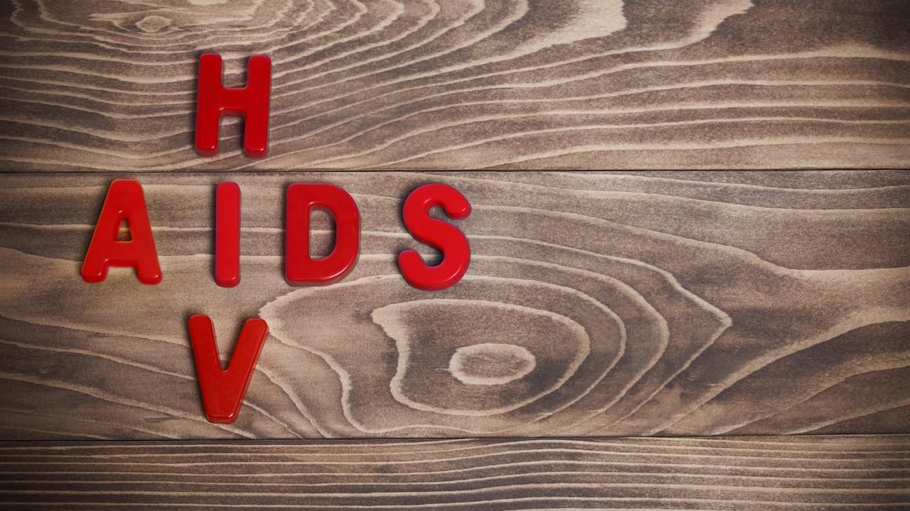 """Смена руководства украинского завода """"Индар"""" грозит перебоями с поставкой вакцин от ВИЧ и туберкулеза"""