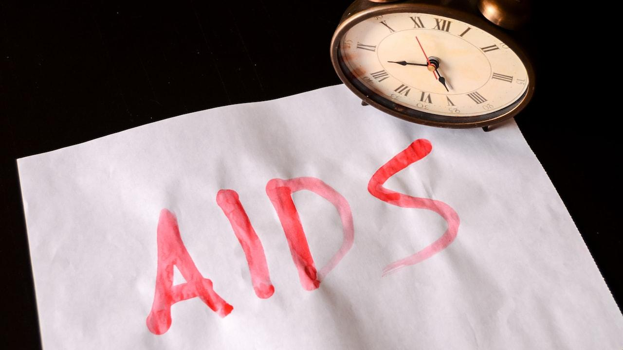 Минпромторгу РФ поручено разработать ряд препаратов для лечения ВИЧ и гепатита С
