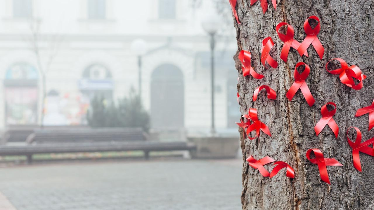 Сергей Чемезов попросил у Путина монополию на поставки лекарств от ВИЧ