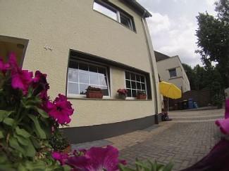 Clair, accueillant, situé dans un appartement rue calme