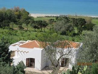 villa méditerranéenne par la mer