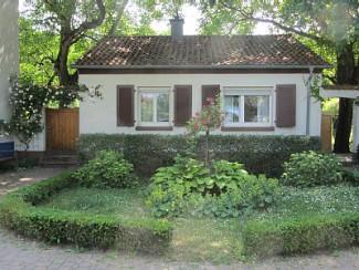 Maison idyllique avec de vieux noyers, calme et verdure