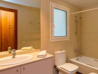 Appartement confortable, 3 chambres, avec climatisation
