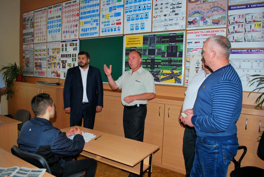 Дрогобицький навчальний центр автомобільної справи - фото 41