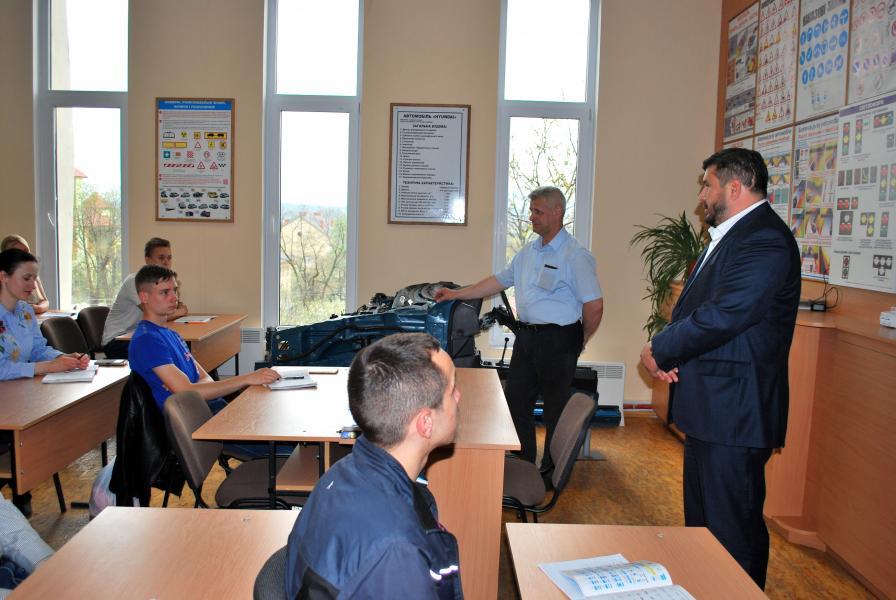 Дрогобицький навчальний центр автомобільної справи - фото 45