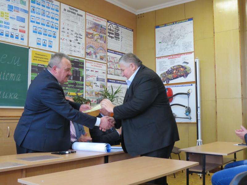 Дрогобицький навчальний центр автомобільної справи - фото 10