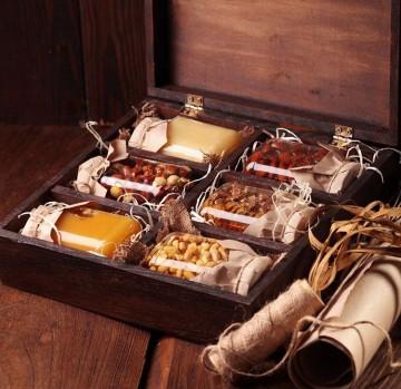 Медово-горіхова скринька - фото