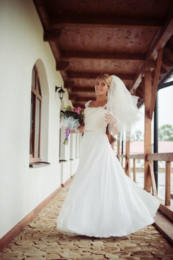 1ca12786a96e2a Весільний дім та дизайн-студія