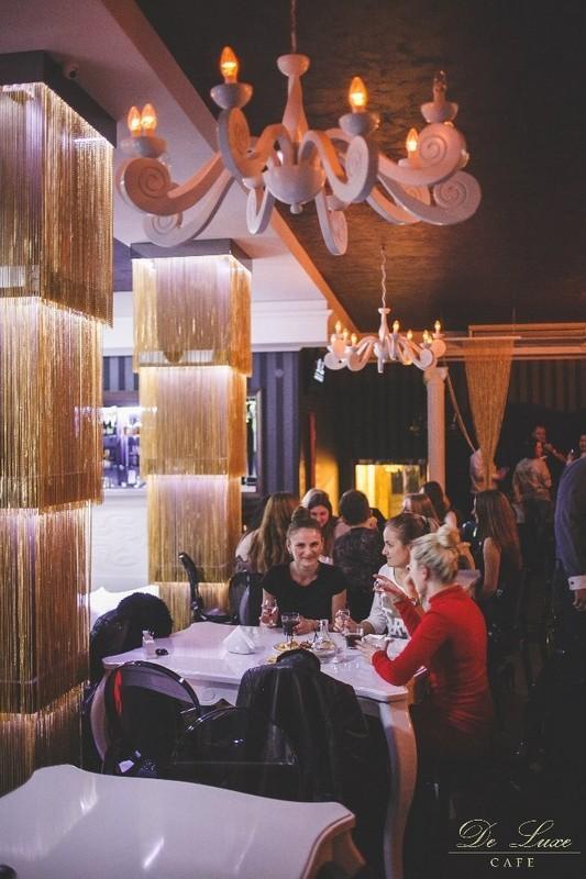 De Luxe night club | restaurant | karaoke - фото 8