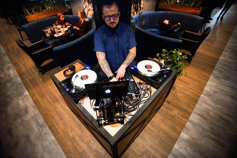 De Luxe night club | restaurant | karaoke - фото 54