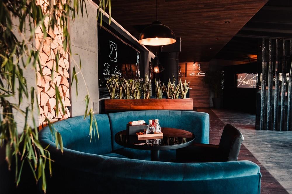 De Luxe night club | restaurant | karaoke - фото 73