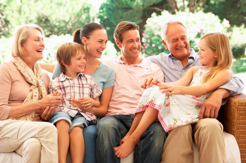 Картинка счастливой семьи для детей, открытки