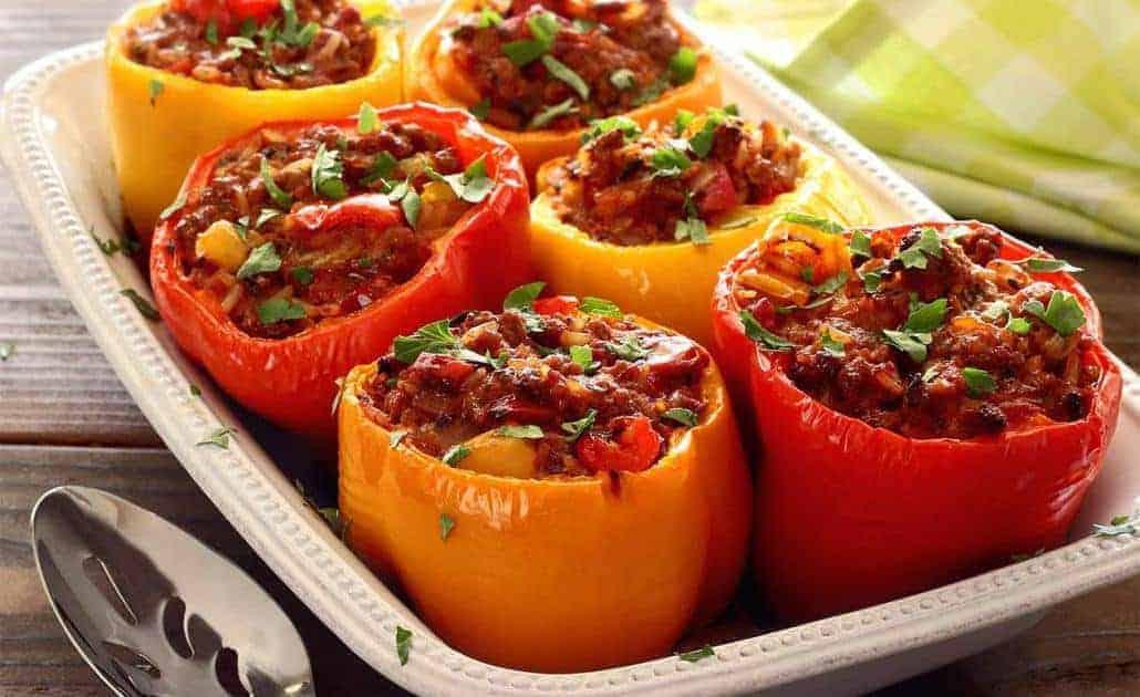 Gevulde paprika's met chorizo en ei