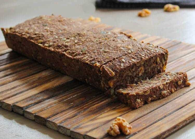 Noets notenbrood met zaden en pitten