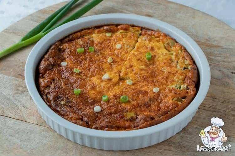 Met dit recept maak je een heerlijke koolhydraatarme quiche lorraine. Een portie van deze voedzame quiche bevat slechts 3,3 gr koolhydraten! #koolhydraatarm #quiche #recept