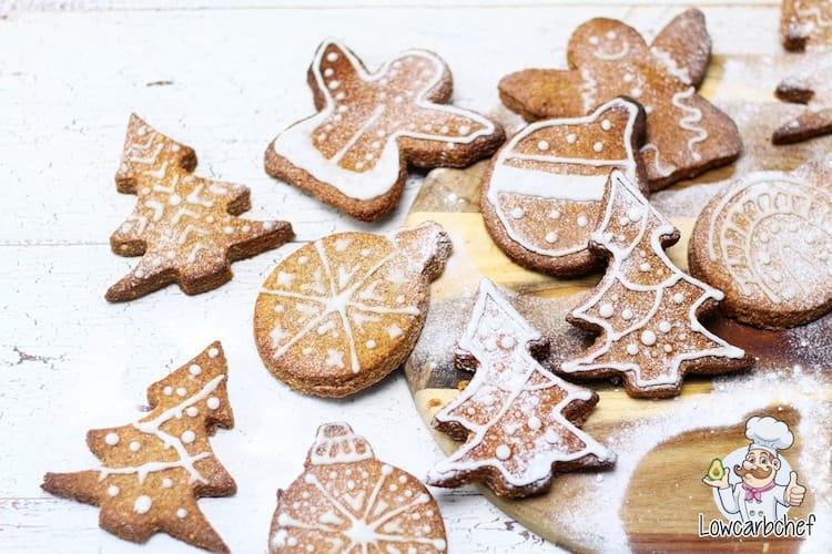 Kerstkoekjes met glazuur.