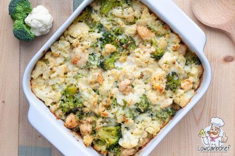 Schotel met bloemkool, broccoli en kip