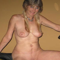 Linda56 wil een seksdate in Zeeland