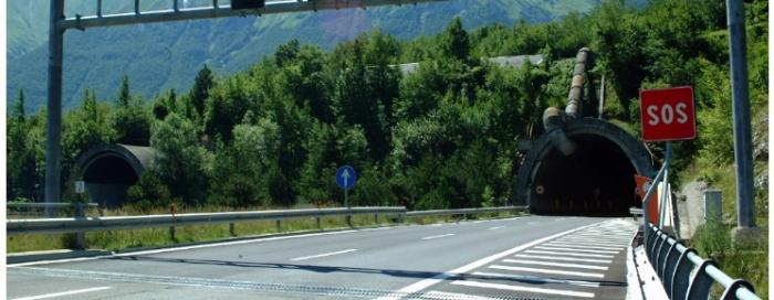 Autostrade. Pronti i progetti per le colonnine SOS e i pannelli messaggio