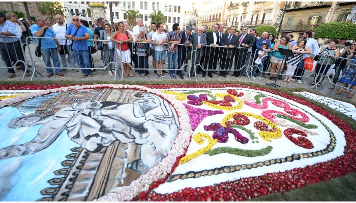 Grande successo degli Infioratori Castelbuonesi a Palermo