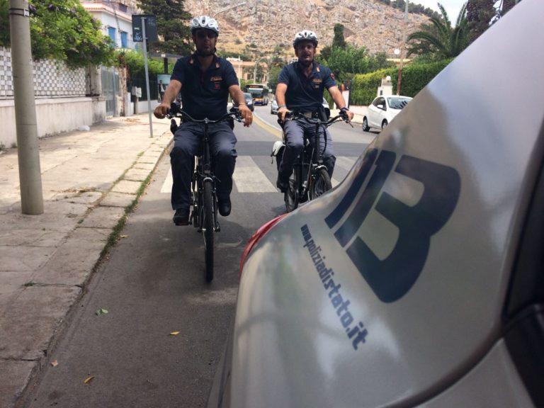 GLI AGENTI DELLA POLIZIA  PERCORRERANNO GLI ITINERARI TURISTICI DEL CENTRO E DEL LITORALE COSTIERO IN  BICICLETTA