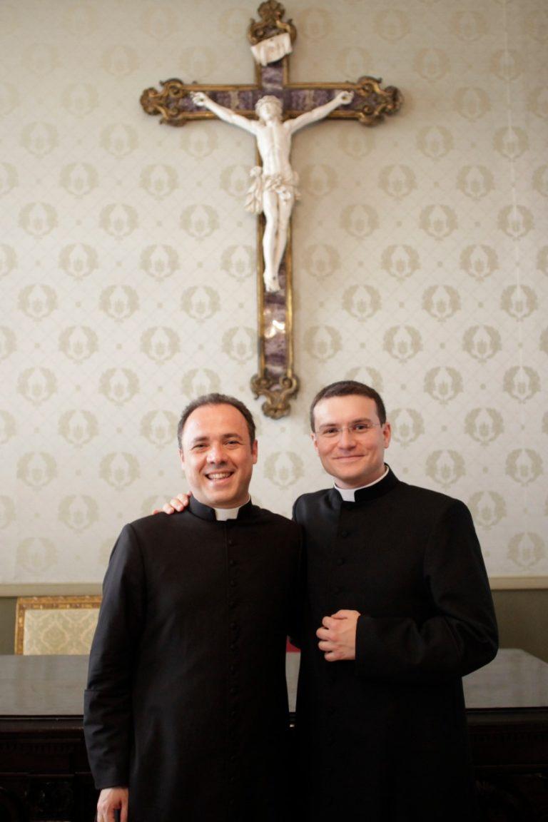 Don Abbandoni lascia la parrocchia del SS Salvatore per un incarico in Curia, prende il suo posto don Caputo.