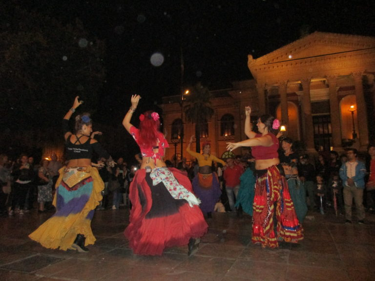 "A Palermo Flash Mob ,""American Tribal Stile"""