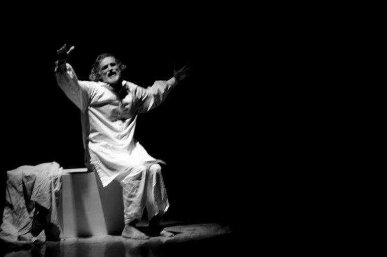 """Enrico Lo Verso in scena al Teatro Pietra Rosa di Pollina  con lo spettacolo """"Uno Nessuno Centomila"""""""