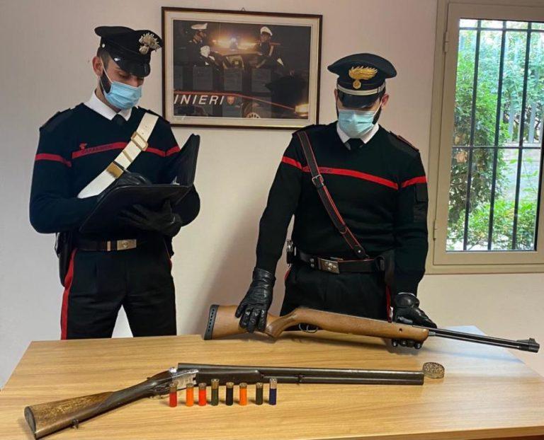 Fucile in un maneggio. I Carabinieri arrestano il proprietario
