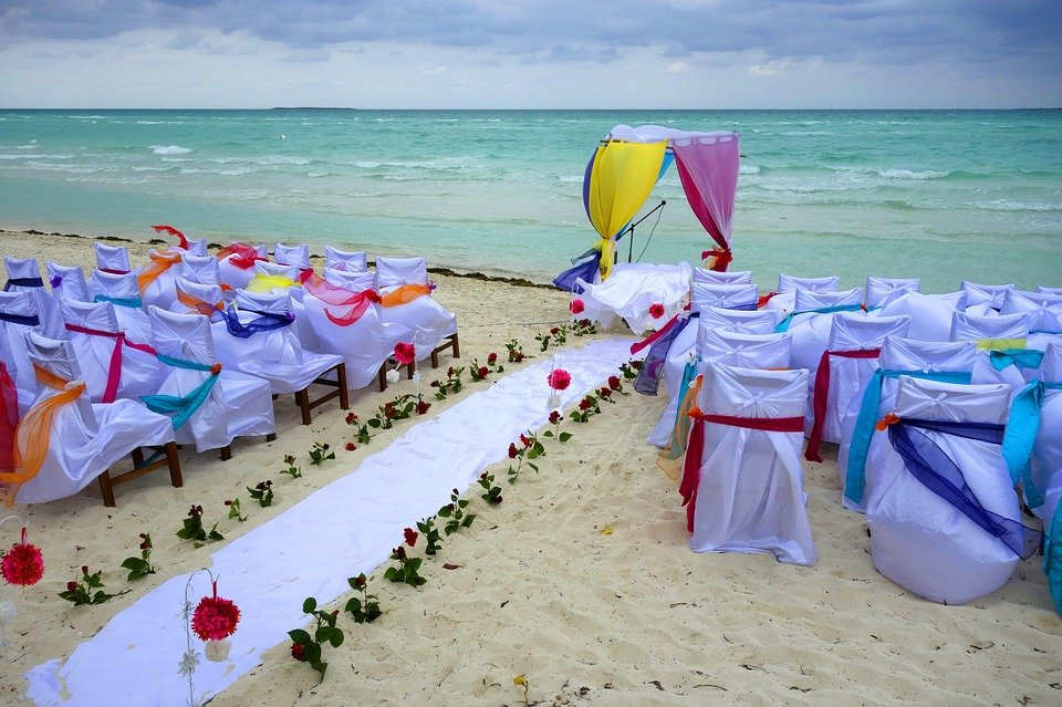 svad`ba na more dlia dvoikh