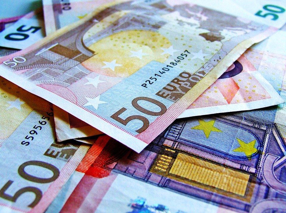 kupit` vy`godno valiutu v moskve