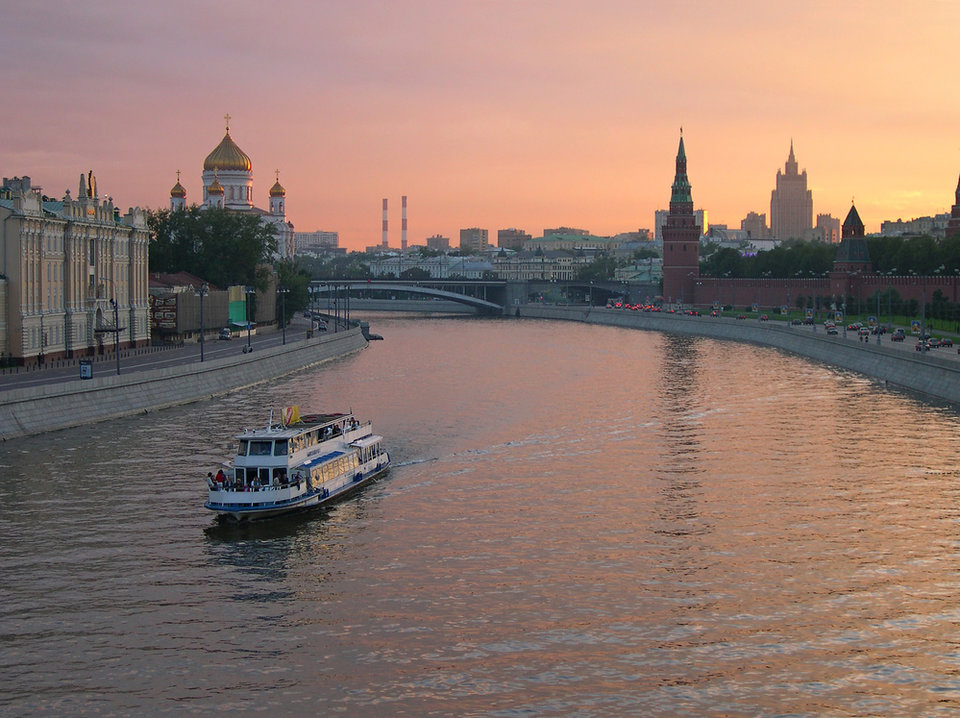 progulka_na_teplohode_po_moskve_reke