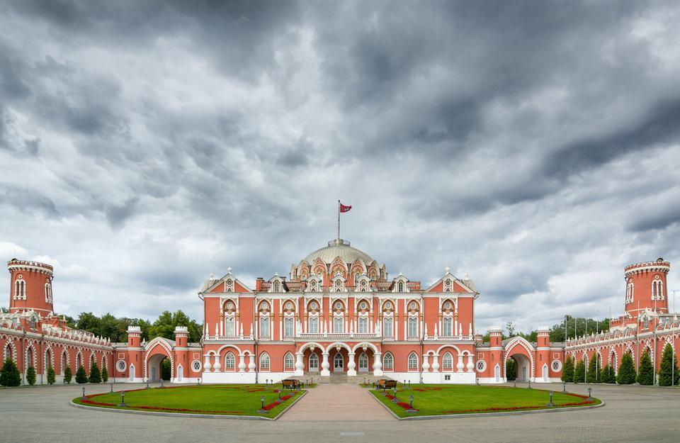 petrovskij_putevoj_dvorec