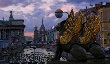 Bankovskij most v sankt peterburge kak dobrat sja