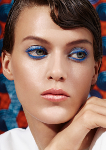 Friseur-Karben-La-Biosthetique-Make-up-Collection-Spring-Summer-2019-Modern-Blue