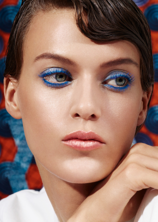 Friseur-Wohltorf-La-Biosthetique-Make-up-Collection-Spring-Summer-2019-Modern-Blue
