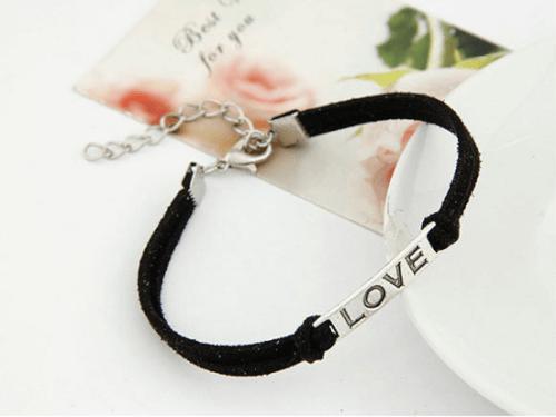 צמיד LOVE שחור