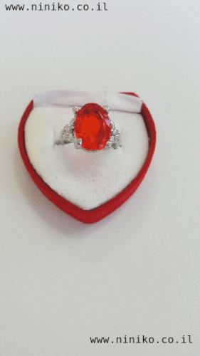 טבעת אבן קריסטל אדומה