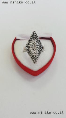 טבעת כסופה בסגנון ווינטג' מעוין