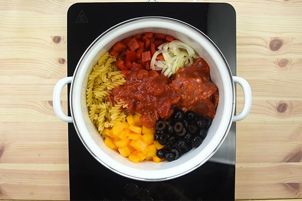 Recette one pot pasta poivrons, chorizo et olives
